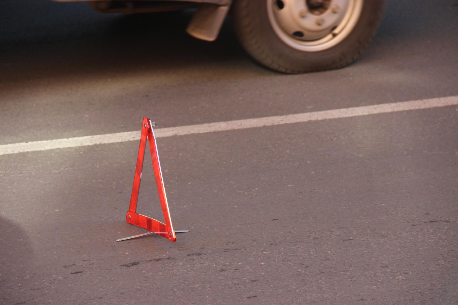 В Белых Берегах иномарка покалечила пьяного пешехода