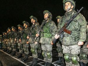 Путин и Шойгу готовят армию к войне с боевиками