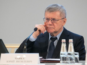 Прокурорам нужно вернуть право на аресты без суда, заявил Юрий Чайка