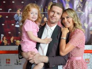 У Евгения Кузнецова родился сын. Это второй ребенок знаменитого хоккеиста