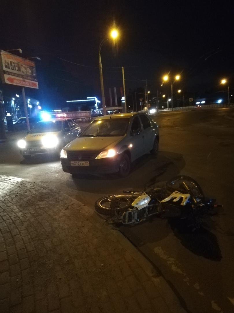 В Брянске на кольце Телецентра сбили мотоциклиста