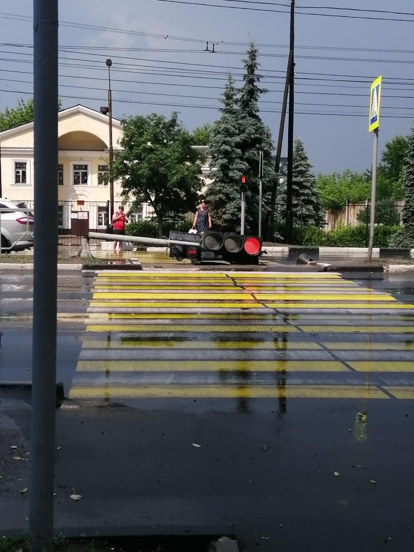 Брянск дождался дождя, жители продолжают удивляться разгулу стихии