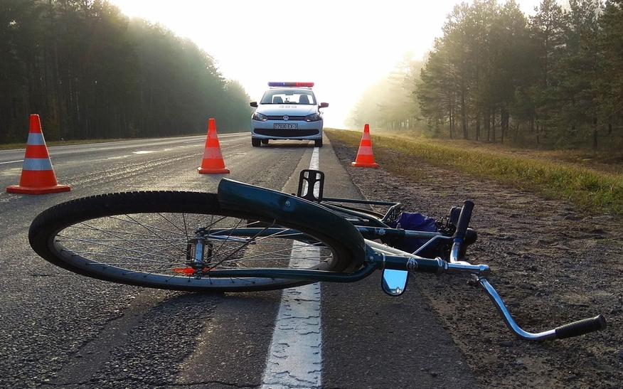 В поселке Большое Полпино пьяный велосипедист врезался в грузовик