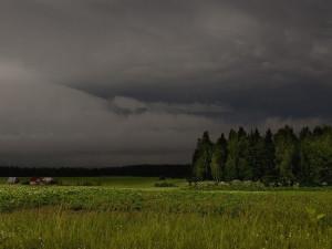 Теплый грозовой фронт подходит к Челябинской области