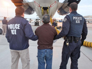 Массовые аресты и депортация начнутся в США на следующей неделе