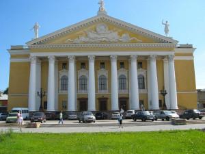 Открытию театра помешала война. Оперный на Кировке в Челябинске