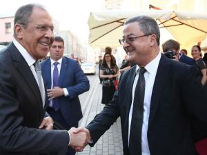 Глава МИД России пошутил о волках