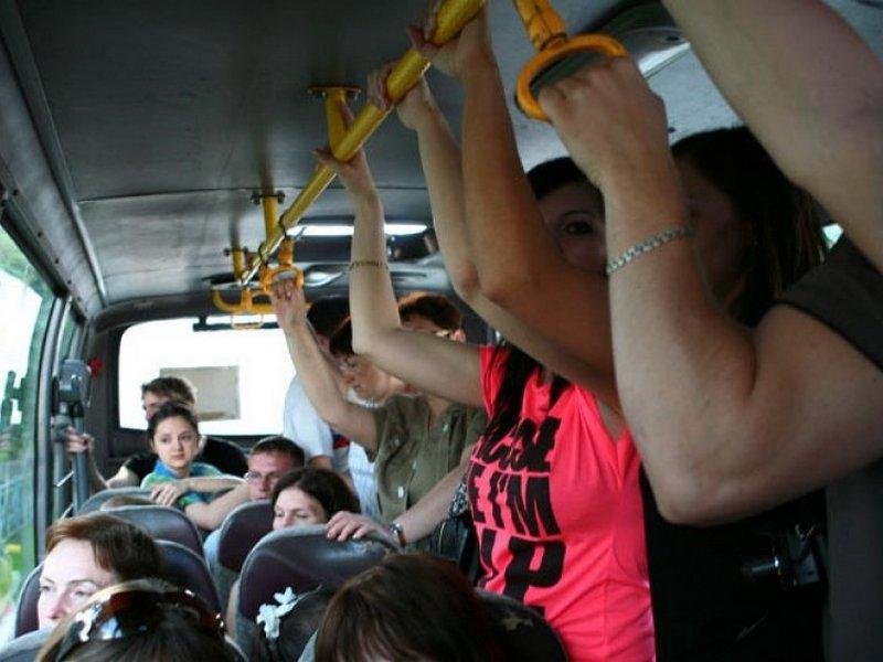 В Брянске водитель автобуса покалечил 56-летнюю пассажирку