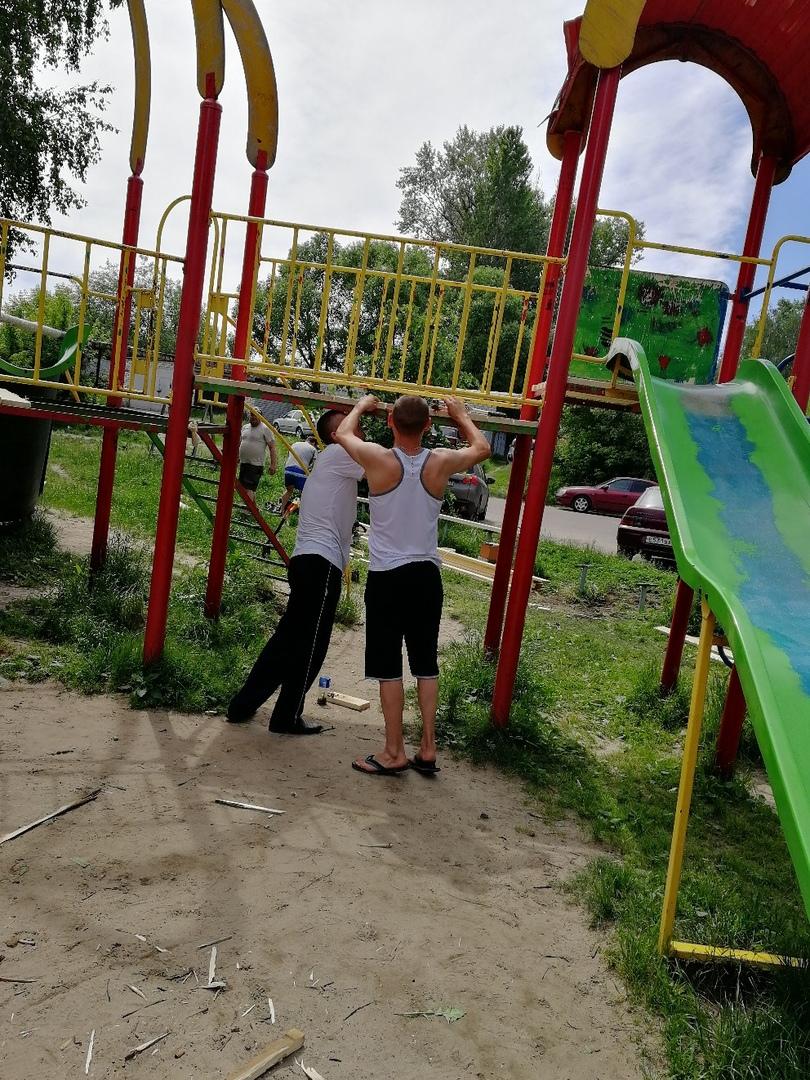 День защиты детей брянцы как иположено провели надетской площадке