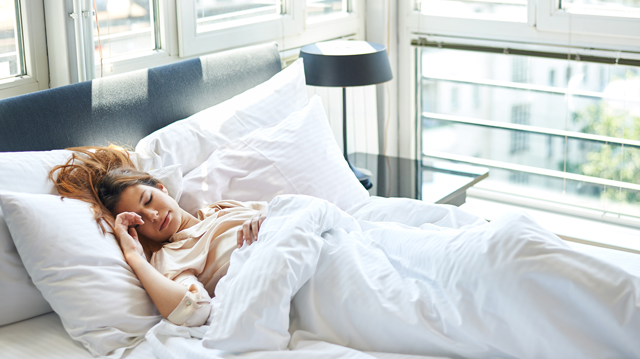 Ученые рассказали, сколько часов сна нужно для привлекательности