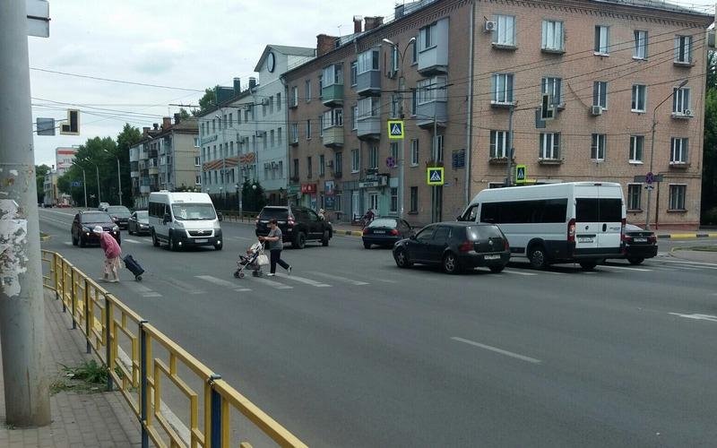 Вчера на оживленном перекрестке в Брянске умерли светофоры