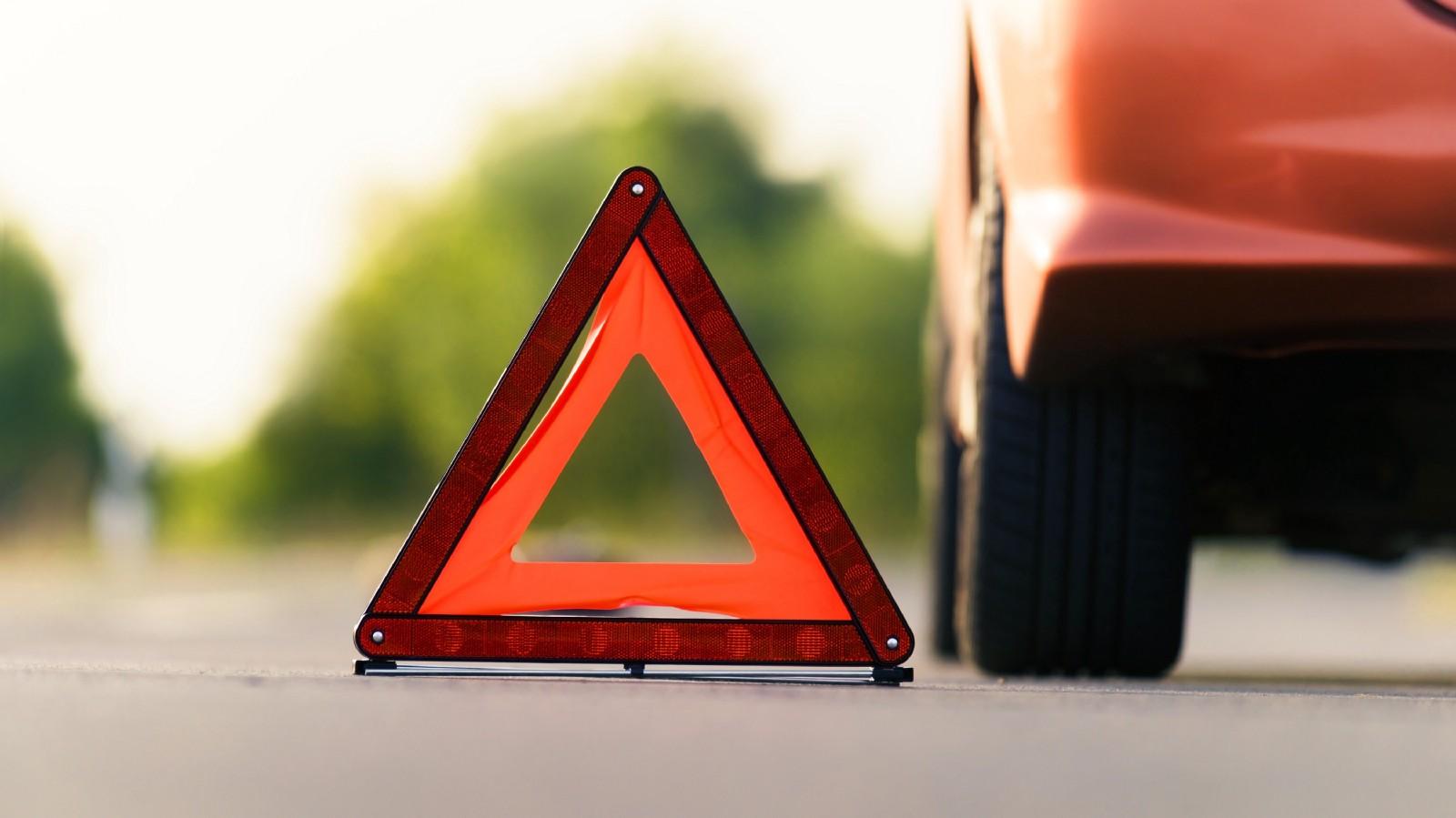 На брянской трассе неизвестный автомобилист сбил мужчину и скрылся