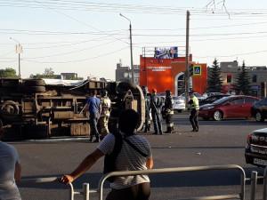 Семь человек пострадали в аварии маршрутки в Челябинске