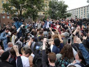 Участники несогласованной акции протеста в Москве требуют главу Мосгоризбиркома