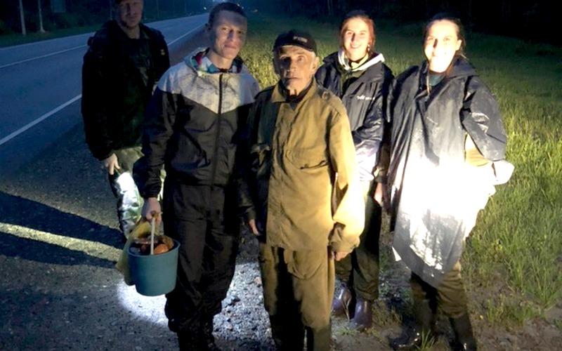 Заплутавший в лесу 84-летний житель Брянска найден живым
