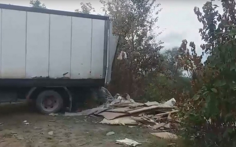 Водителя «Газели» наказали за мусор возле Орлика