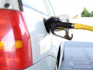 Цены на бензин в России догоняют американские и стремятся к европейским