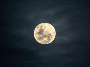Пробурить Луну хотят российские ученые