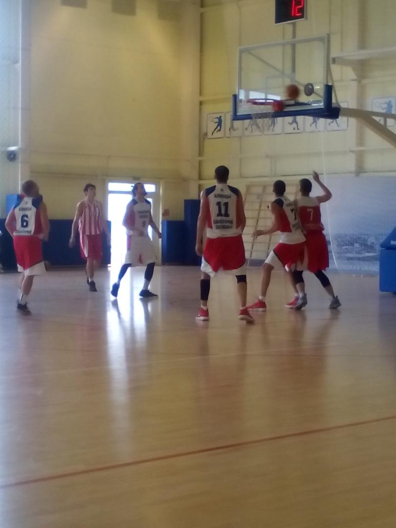 Виталий Фридзон сыграл вБрянске вбаскетбол