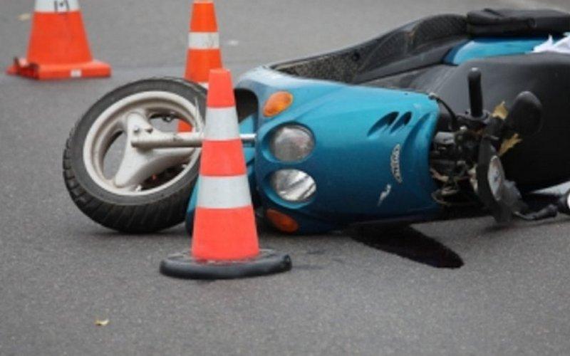 52-летний водитель мопеда разбил голову возле брянской фермы