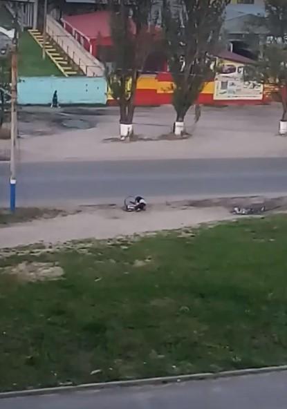 В Брянске на видео сняли опасные маневры человека с велосипедом