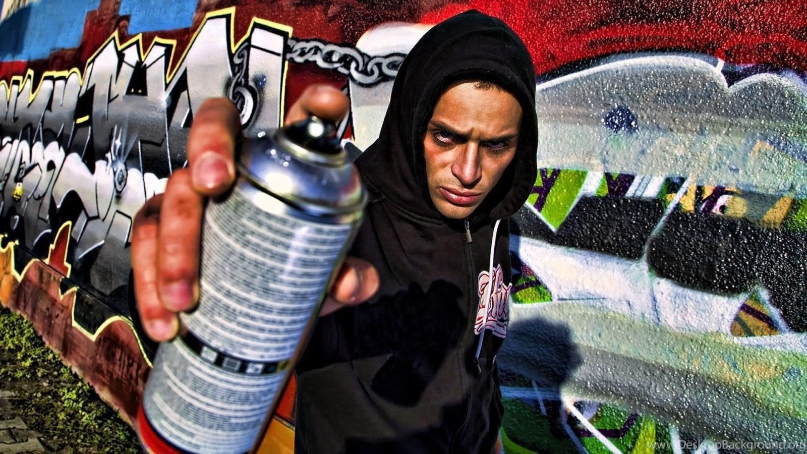 В Советском районе брянца наказали за графити