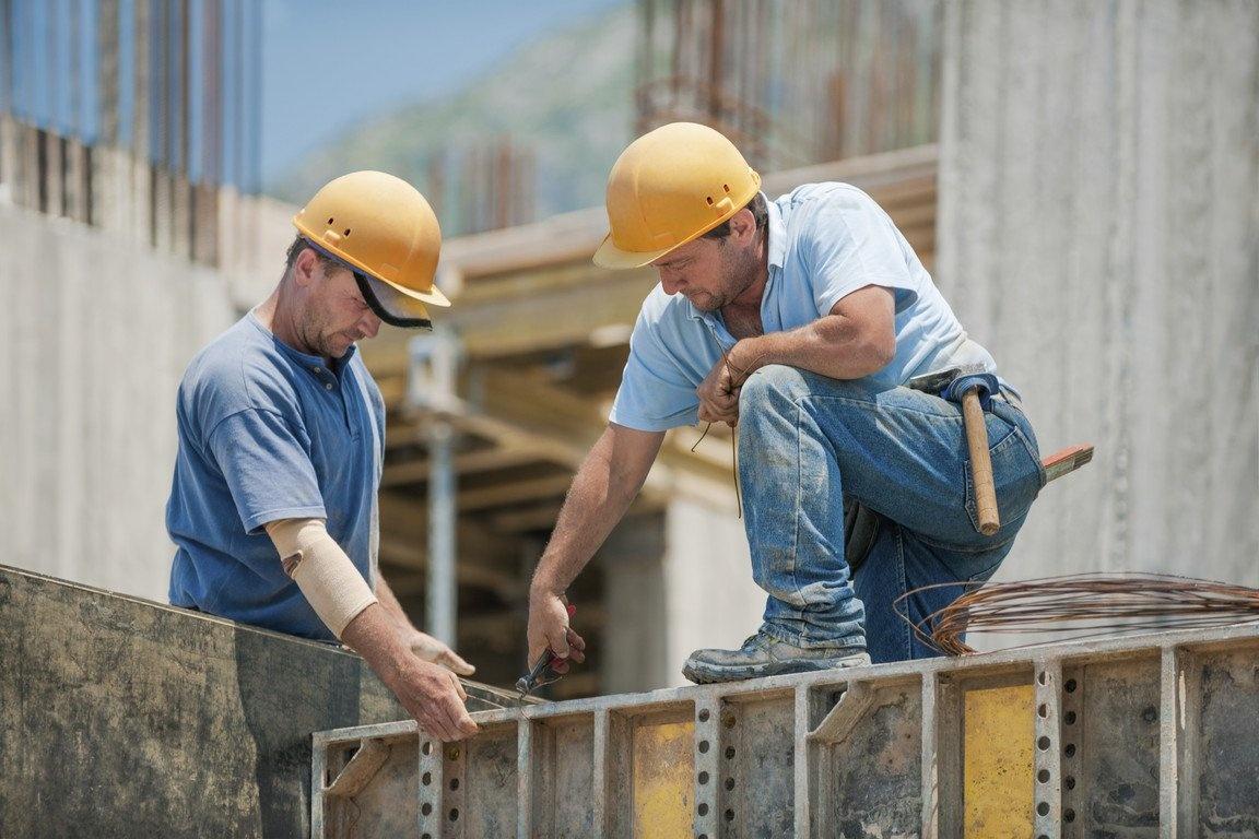 Руководство Брянской области поздравило строителей с профессиональным праздником