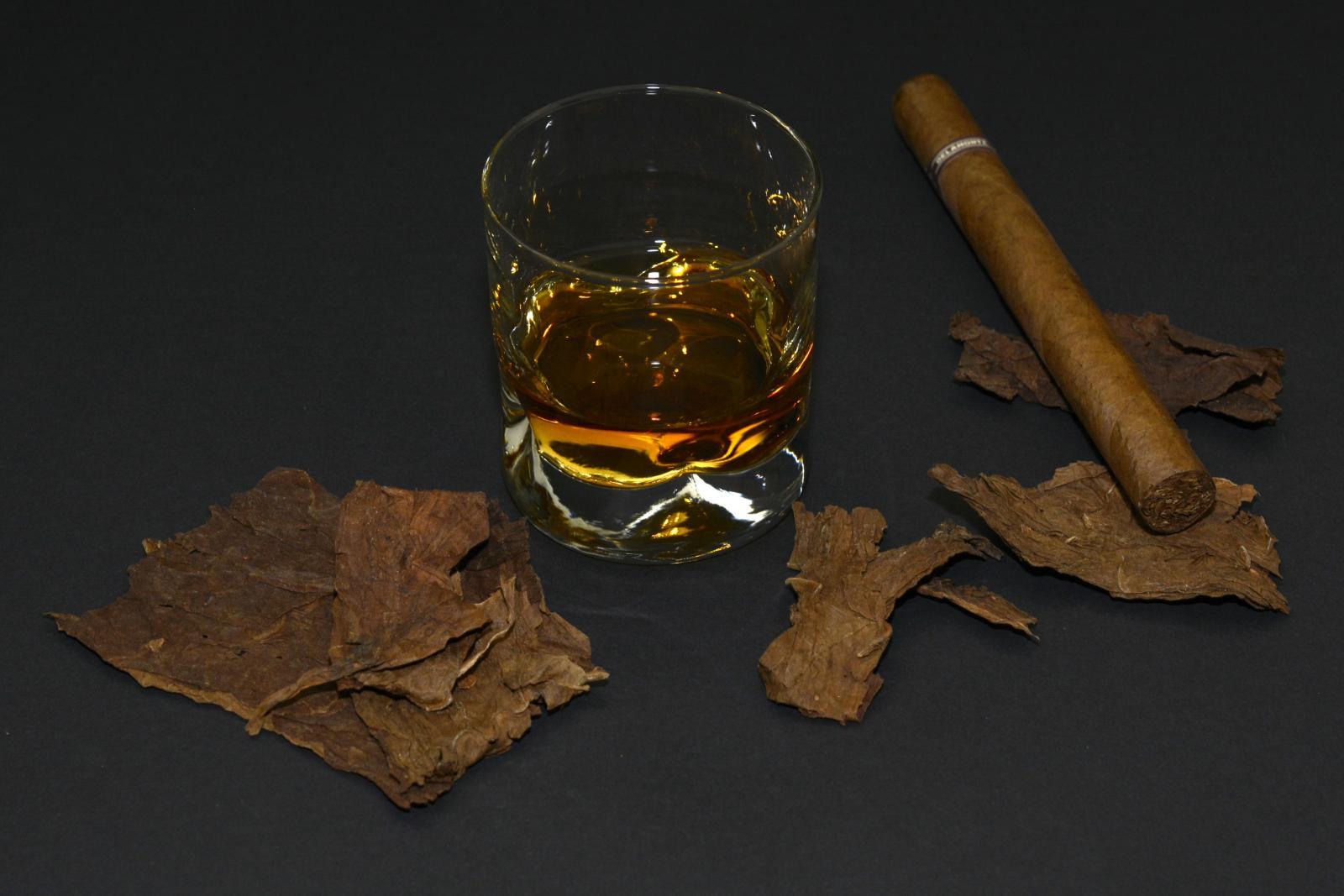 Траты на алкоголь и табак составляют 3% от всех расходов россиян