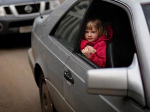 Снизить скорость на 20% предлагают водителям, перевозящих детей