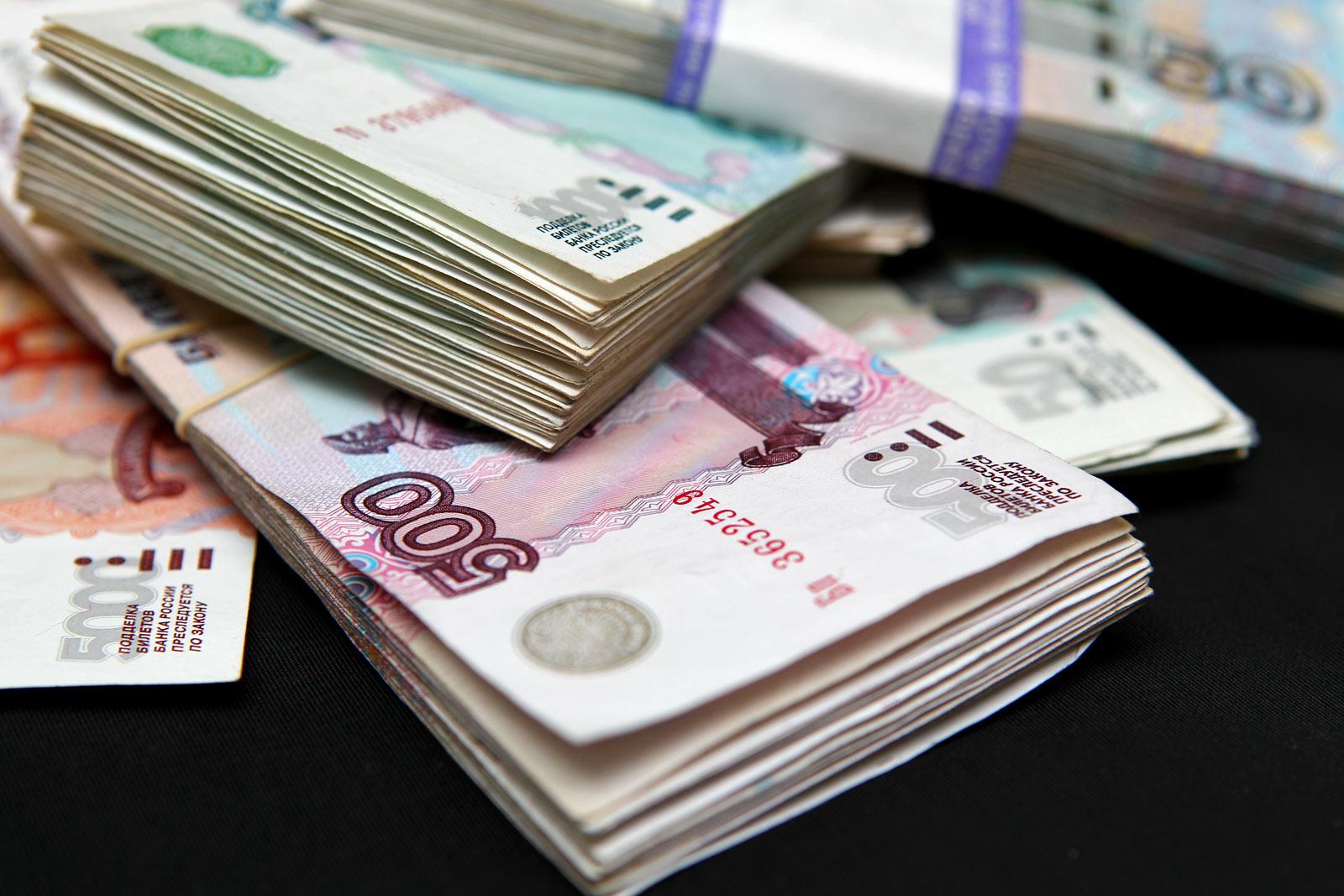 В Унече директор фирмы задолжал работникам около 8 млн рублей