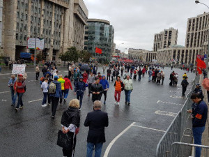 На митинг коммунистов пришло в 12 раз меньше людей, чем на митинг либералов