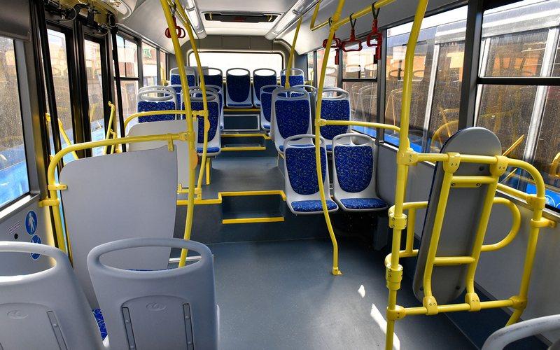 В Брянске 61-летняя пассажирка растянулась в салоне автобуса