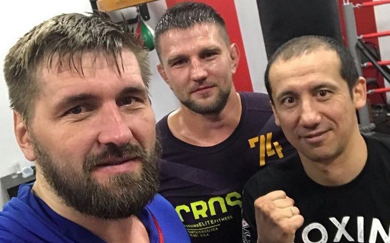 Брянский боец Виталий Минаков улетел в США