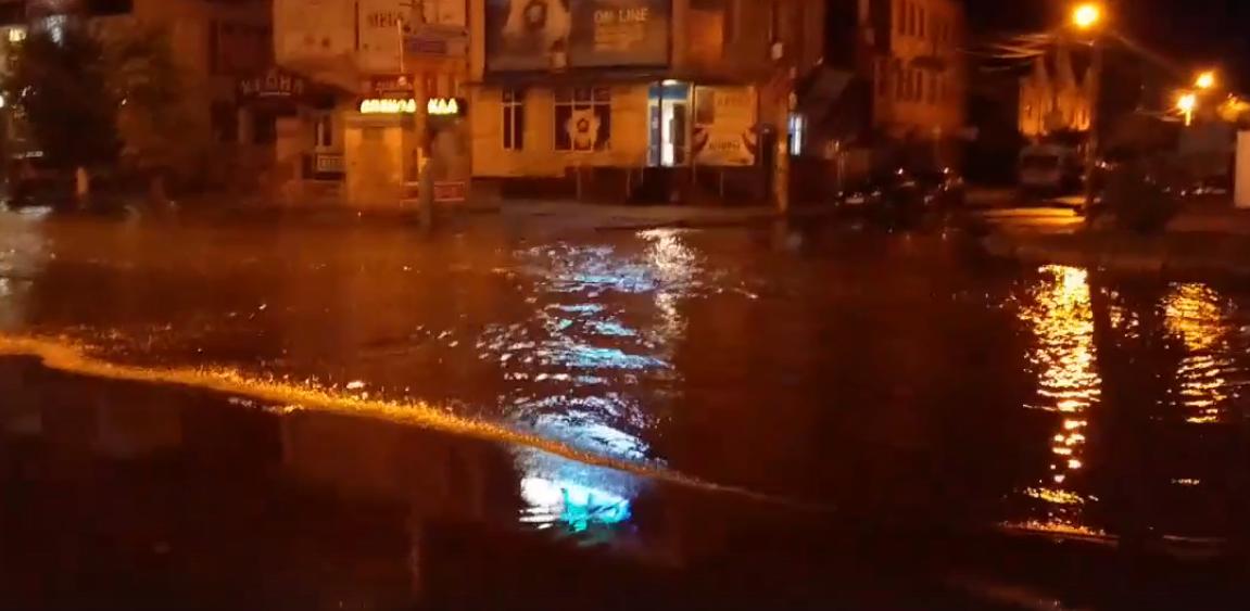 Бежицкий район Брянска превратился в Венецию