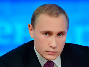 И Путин – такой молодой. Непривычно молодой