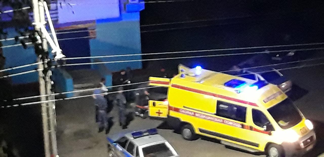 О поножовщине в Брянске на улице Костычева сообщают очевидцы в соцсетях