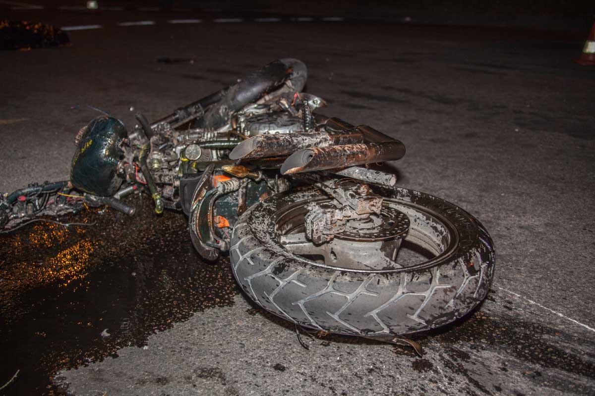 В Стародубе ночью погиб мотоциклист