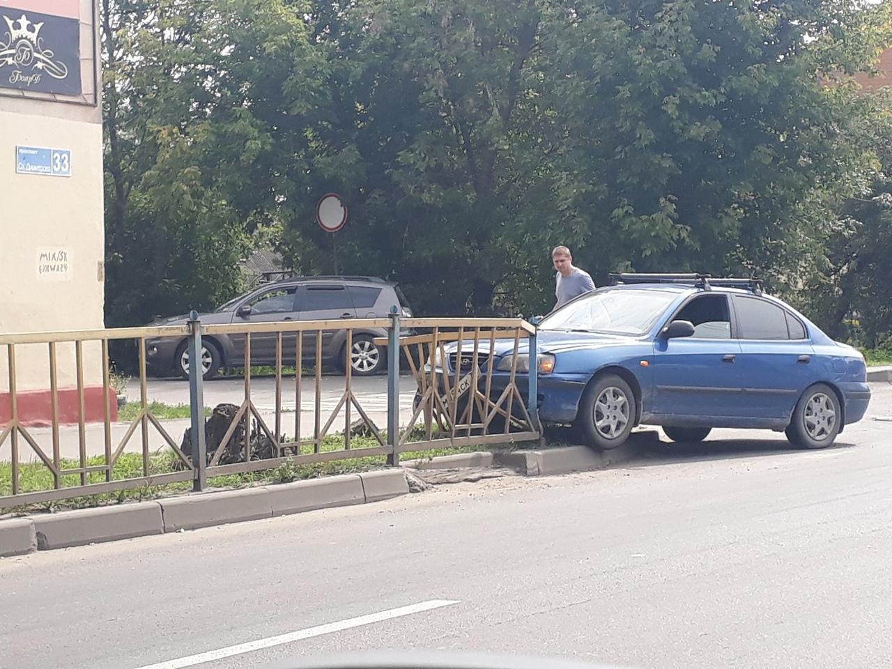 Видеорегистратор брянского водителя записал как едва не сбили пешехода
