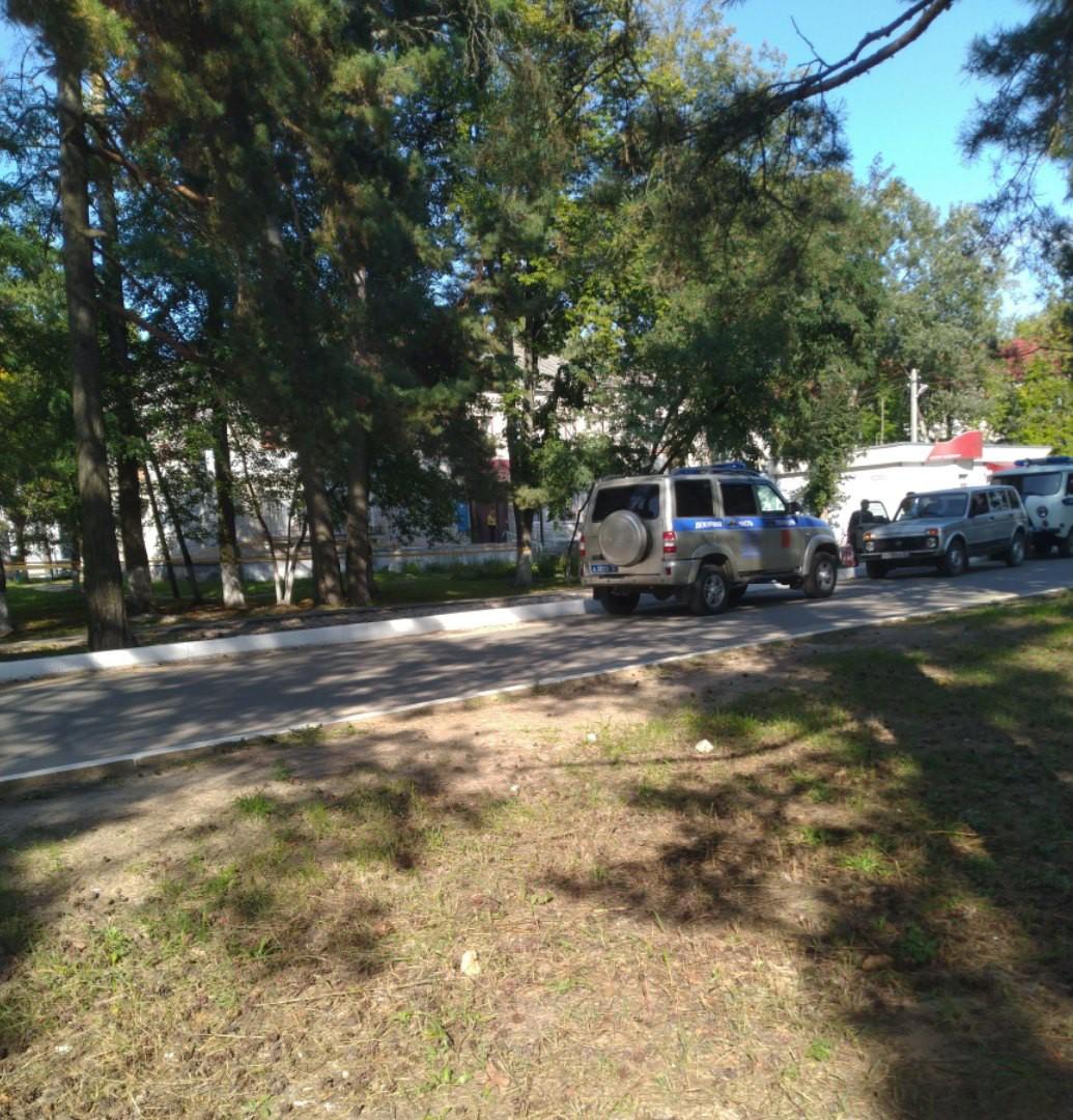 Житель Сельцо зарезал мужчину и напал на полицейских