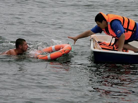 В Брянске спасатели рассказали как обеспечивали безопасность людей на воде