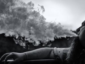 МЧС передумало запрещать курить на балконе