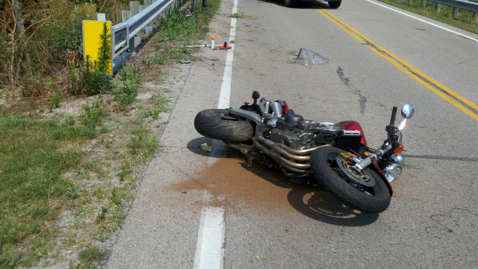 В Почепском районе 15-летний мотоциклист врезался в УАЗ