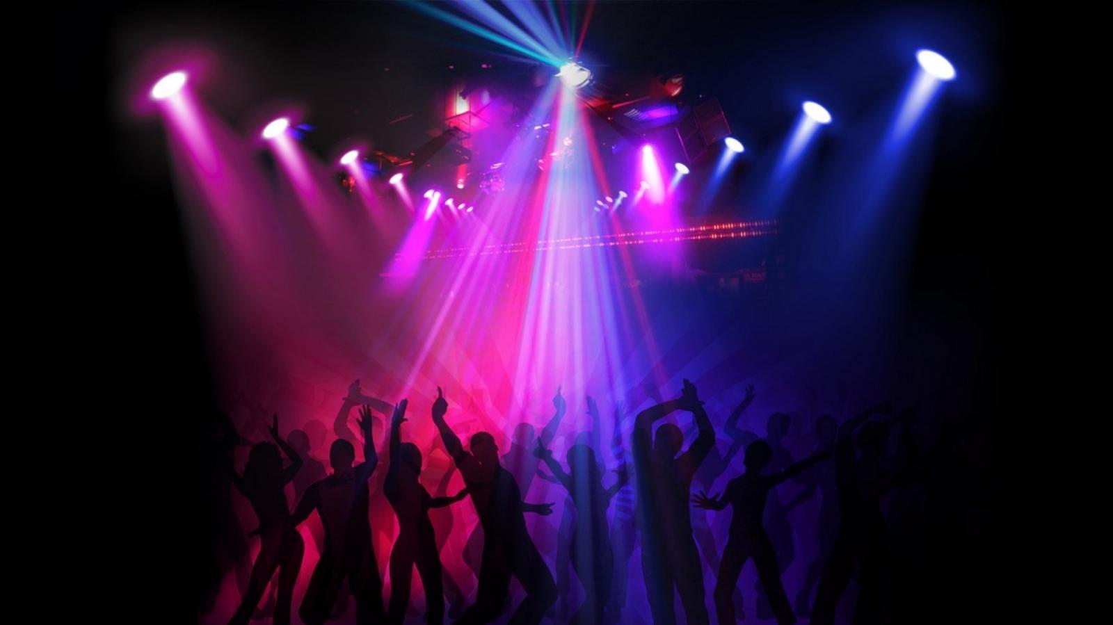 Брянцы после концерта «Руки Вверх» устроили дискотеку на улице