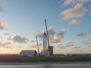 Илон Маск и SpaceX показали новый звездолет Starship Mark 1 (видео)