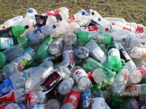 Пластикового мусора не хватает России. Его закупают в Турции