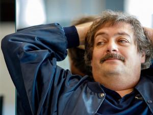 Дудь мог бы стать замечательным президентом, мнение писателя Быкова