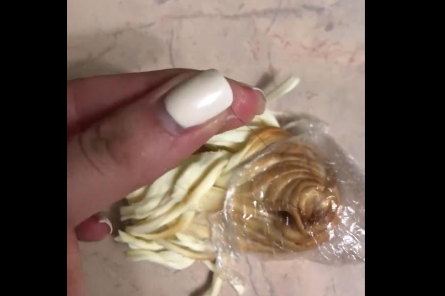 В Брянске появилось видео с волосатым сыром-косичкой