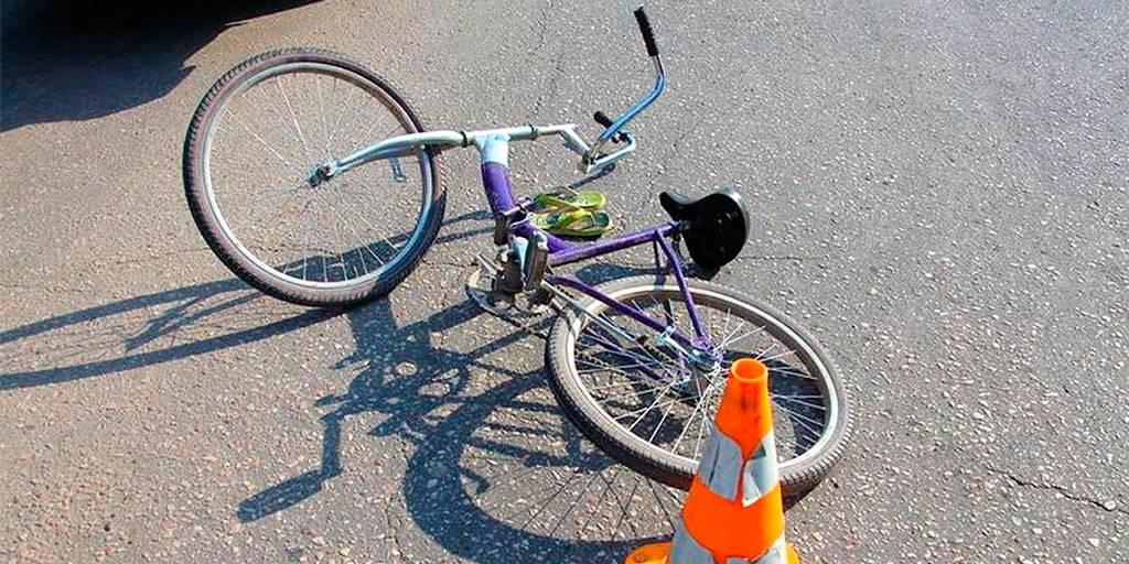 В Мглине пожилой велосипедист попал под машину