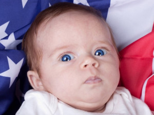 Теперь гражданство США получит не каждый рожденный на территории страны