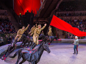 Кто в армии служит – бесплатно посмеется в цирке